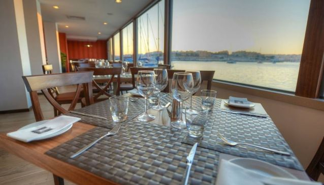 Haywharf Restaurant and Clubhouse Lounge