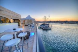 Haywharf Lounge terrace