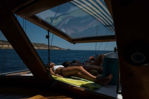 Malta: Comino, Blue Lagoon, and Caves Day Trip