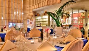Patrick's Lounge - Restaurant - Steakhouse