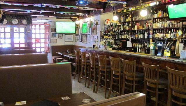 Top 5 Bars and Pubs in Malta