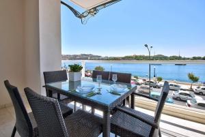 Sea View - Short Lets Malta