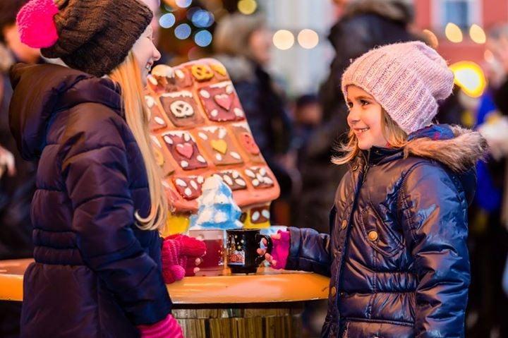 Lola's Christmas Market