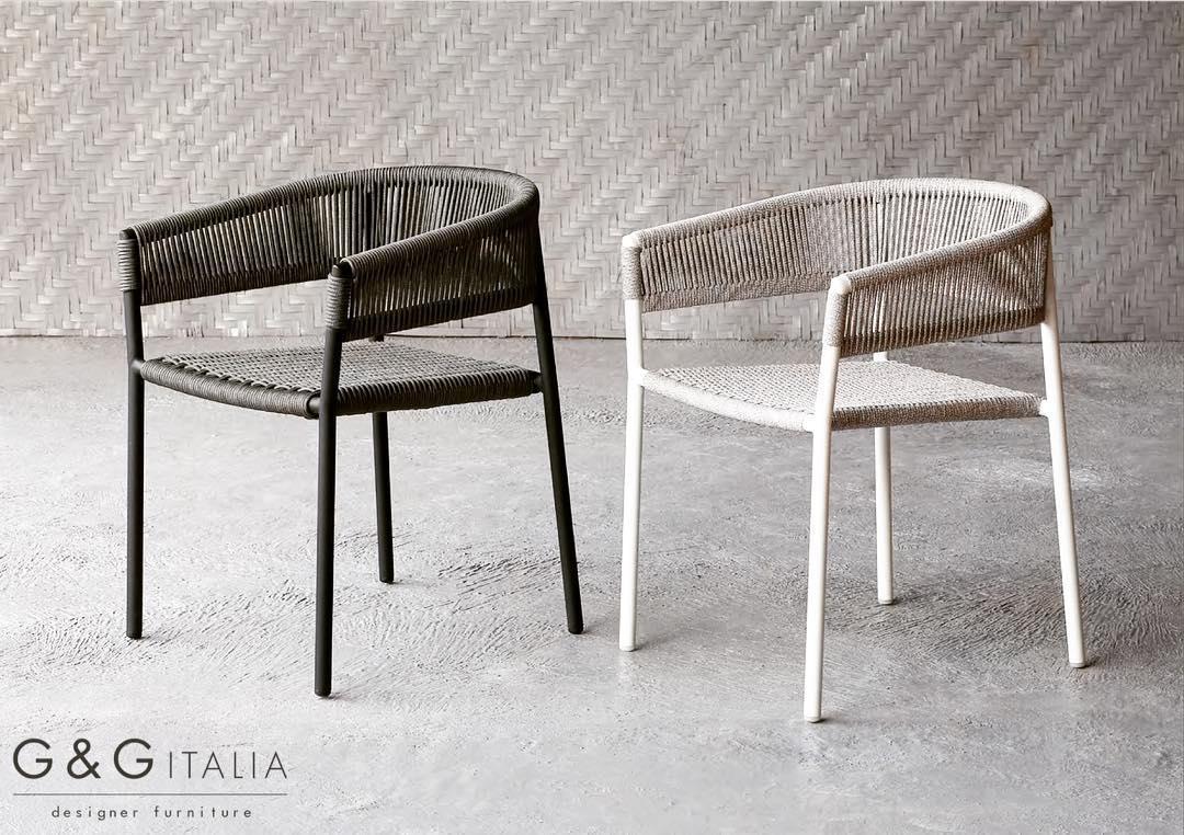 Enjoyable Gg Italia In Marbella My Guide Marbella Creativecarmelina Interior Chair Design Creativecarmelinacom