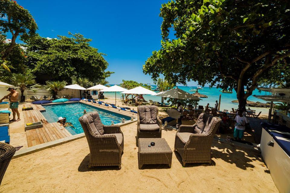 R Beach Club in Mauritius   My Guide Mauritius