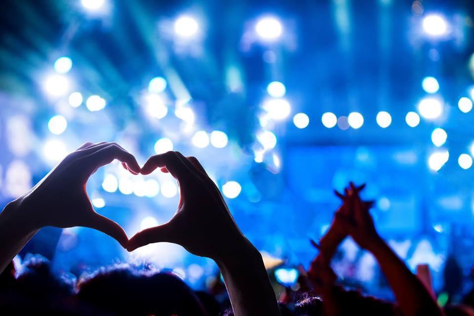 Bcoz Backstage Loves you