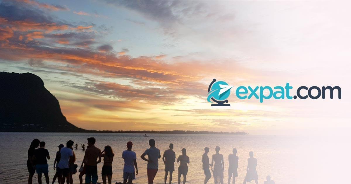 Expat.com 15th anniversary at Landshark Bar & Grill
