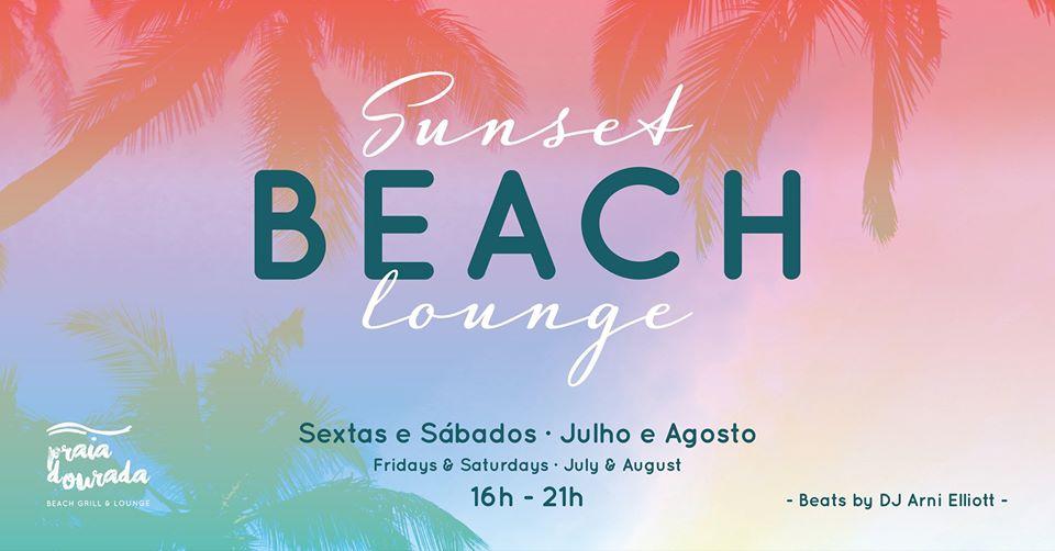 Sunset Beach Lounge at Armação Beach Club