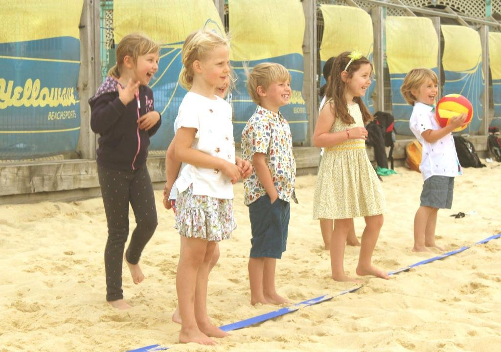 Summer Holiday – Kid's Beach Volleyball Sessions