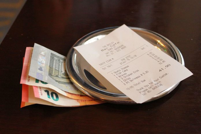 Is it standard to tip in Argentina?