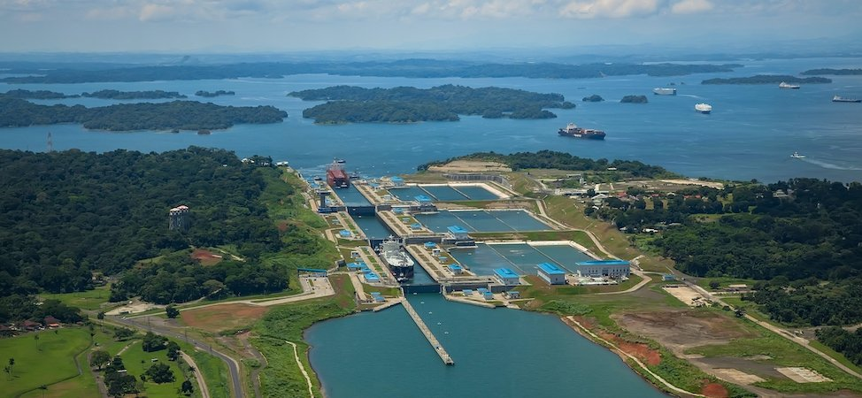 History of Panama Canal in 3D