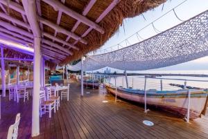 Por El Mar Beach Bar