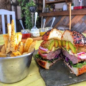 Bonita Tulum Burger Bar