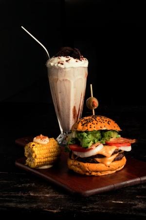Branton Burger Grill
