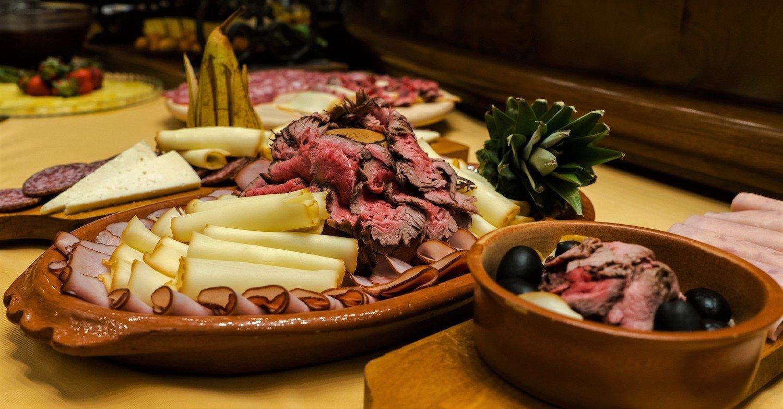 Family Style Friday Brunch at Hotel Cattaro's Restaurant