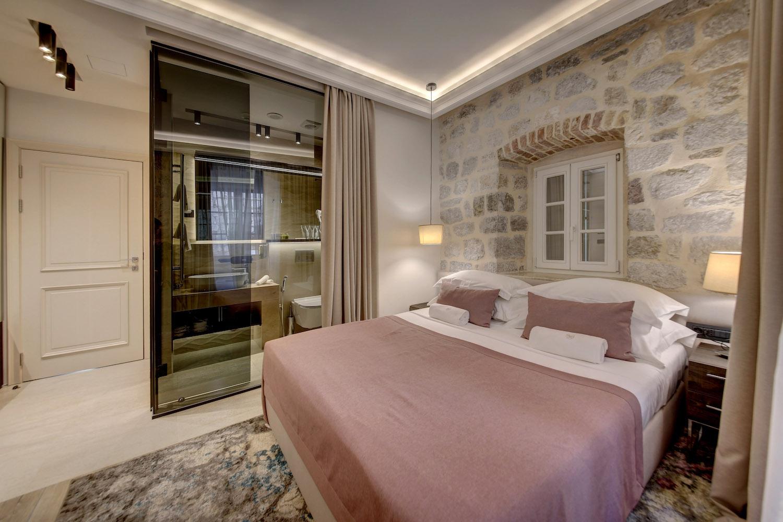 Special Offer at Leon Coronato Hotel