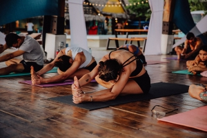 Strech and flow with Jeff in Selina Playa Venao