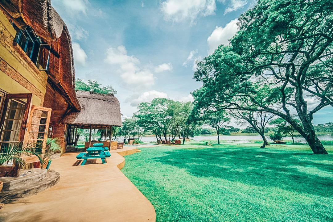 Chiwawe Camp and Numwa House