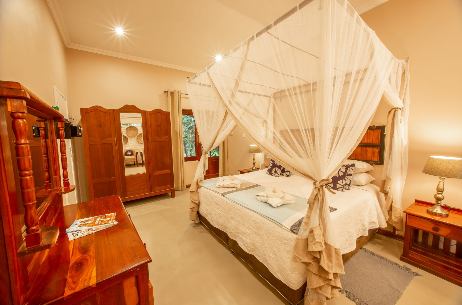 Bayete Guest Lodge Zim Residents Special