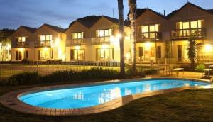 Boat House Resort