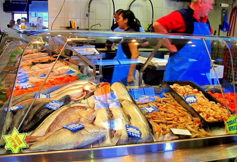 Queen victoria market in melbourne my guide melbourne for Fish market queens
