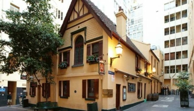 Best Bars & Pubs In Melbourne