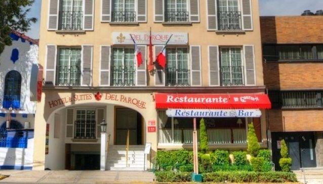 Hotel and Suites del Parque