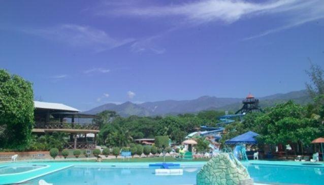 Hotel y Parque Acuatico Valle Dorado