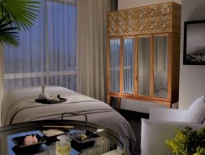 Intimate spa