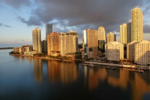Miami: Private Sunset Sightseeing Airplane Tour