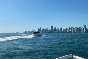 Miami: Sunset Cruise through Biscayne Bay and South Beach