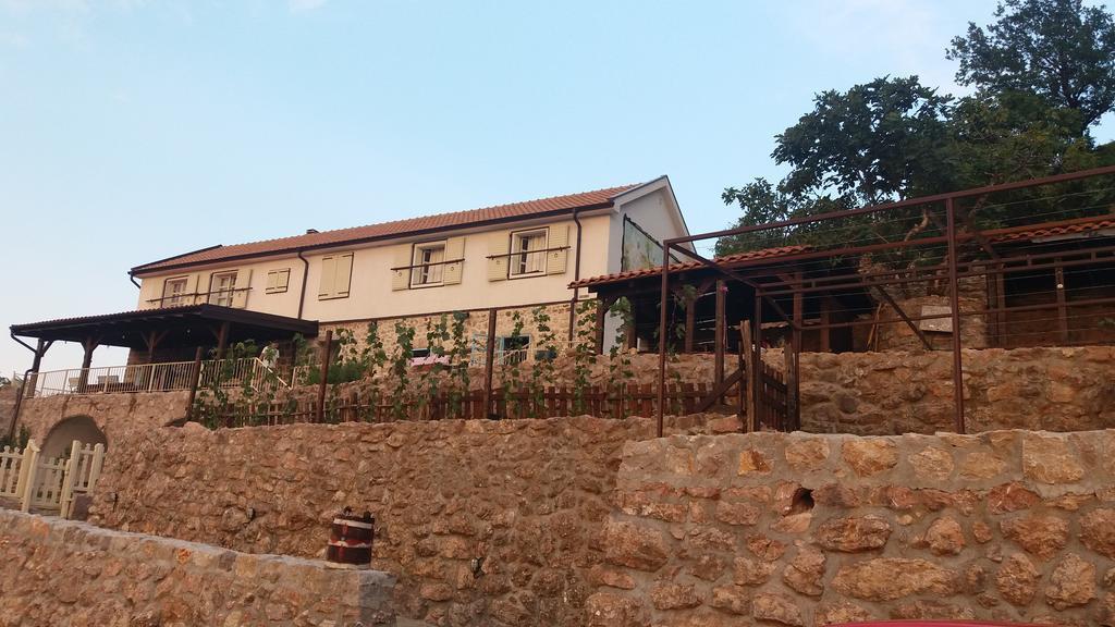 Badanj Village Rooms