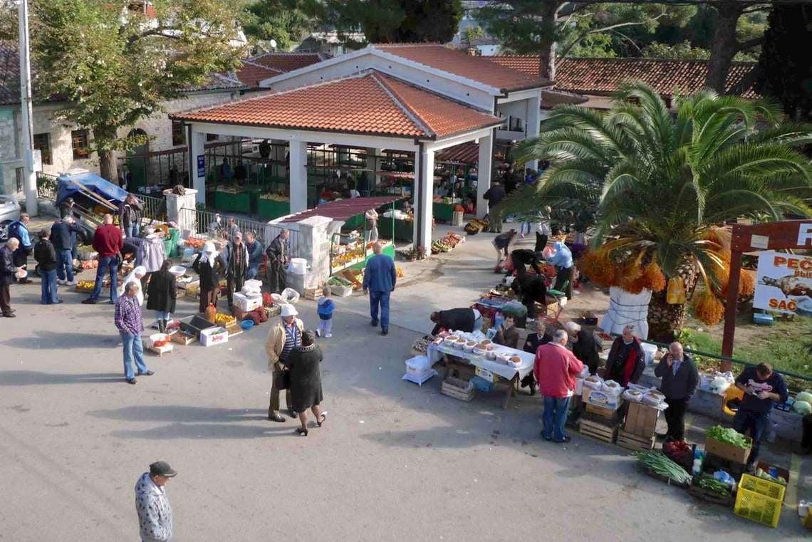 Green Market Stari Bar