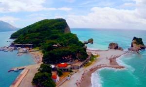 Saint Nikola's Island Budva (Hawaii)