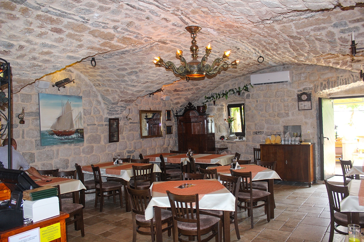 Tavern 'Pirun & Ozica'
