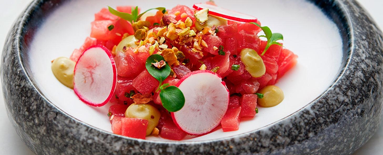 Bluefin Tuna Live Cutting Show In La Perla Restaurant