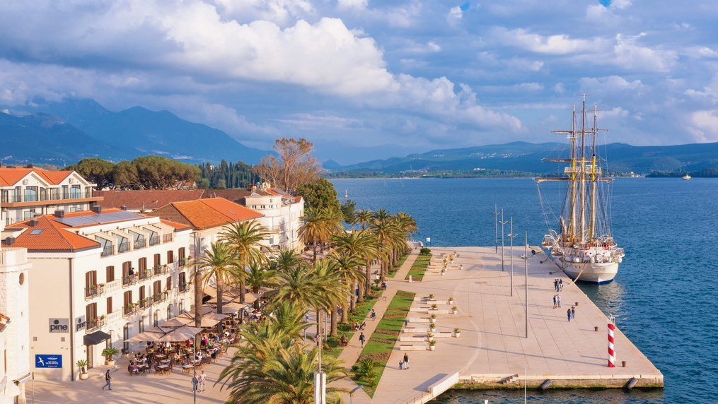 Souvenirs Fair in Tivat