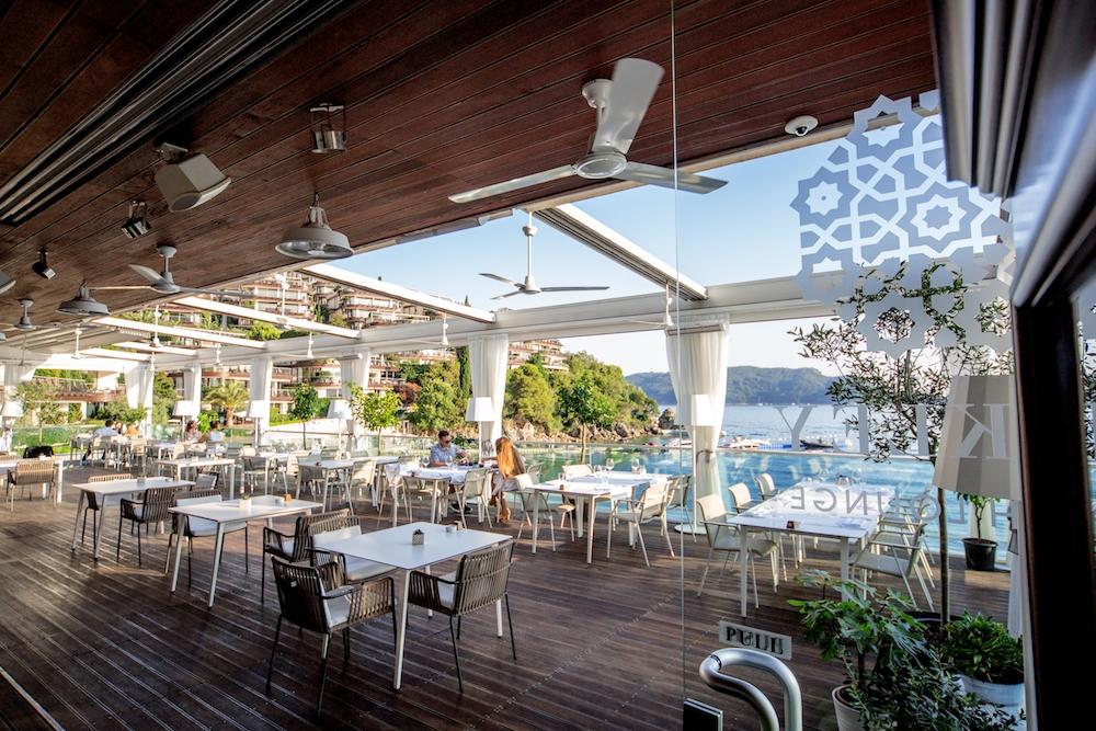 Sundays at Dukley Beach Lounge