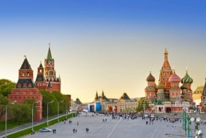 Moscow: City Sights, Metro & Space Museum Tour with Lunch