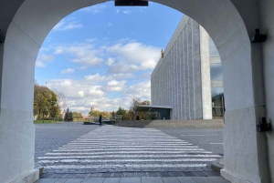 Moscow: Ticket and Self-Guided Tour Around the Kremlin