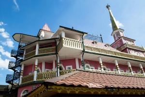 Private Izmalovo Tour with Flea Market and Kremlin