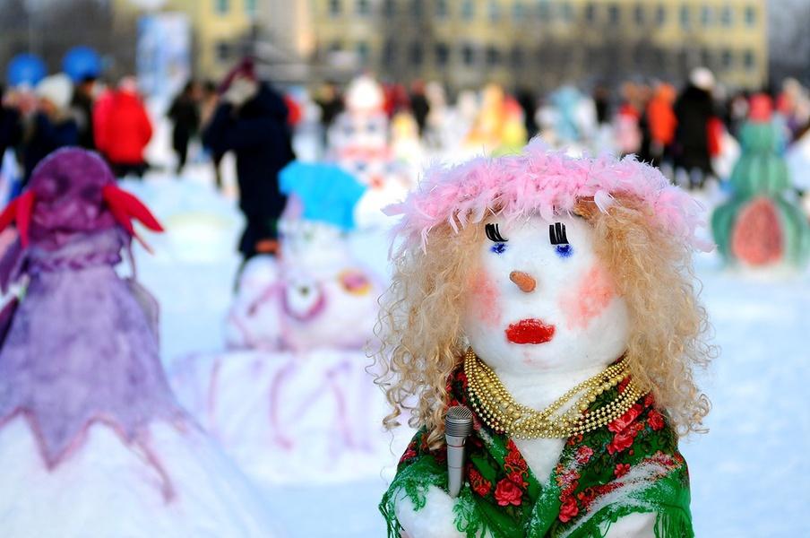 Snowmen's Art Battle