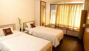 Aura Executive Homes Worli Mumbai