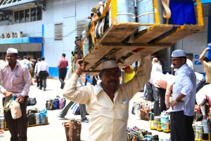 Mumbai: Experience Local Transport, Sightseeing & Lunch