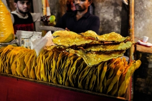 Mumbai: Hidden Street Eats Tour by Train