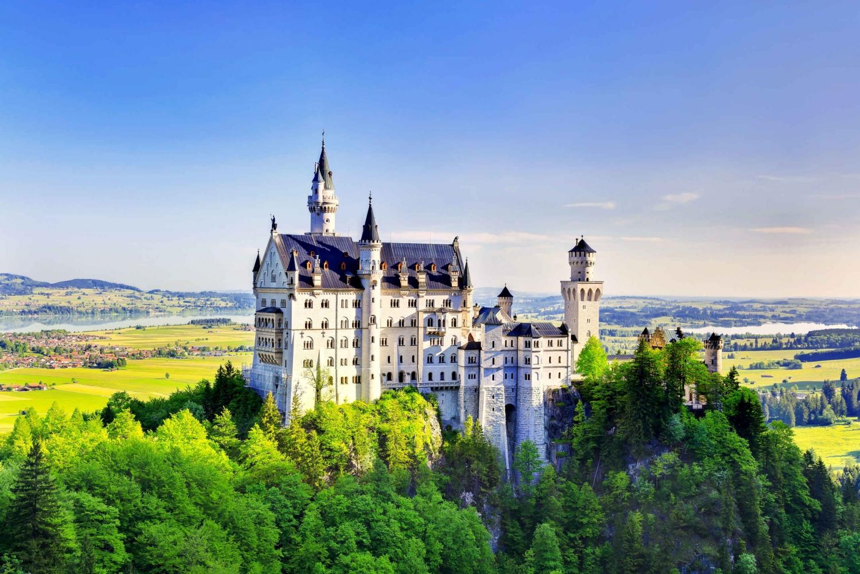Day Trip to Neuschwanstein & Linderhof Castles from Munich