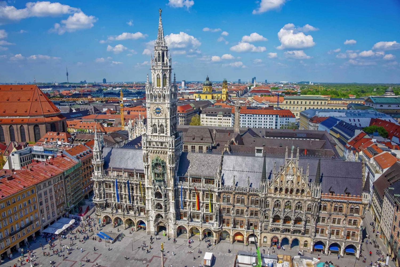 Munich City & English Garden Walking Tour in English
