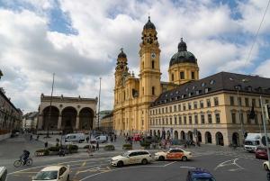 Munich: Grand Hop-On Hop-Off Double-Decker Bus Tour