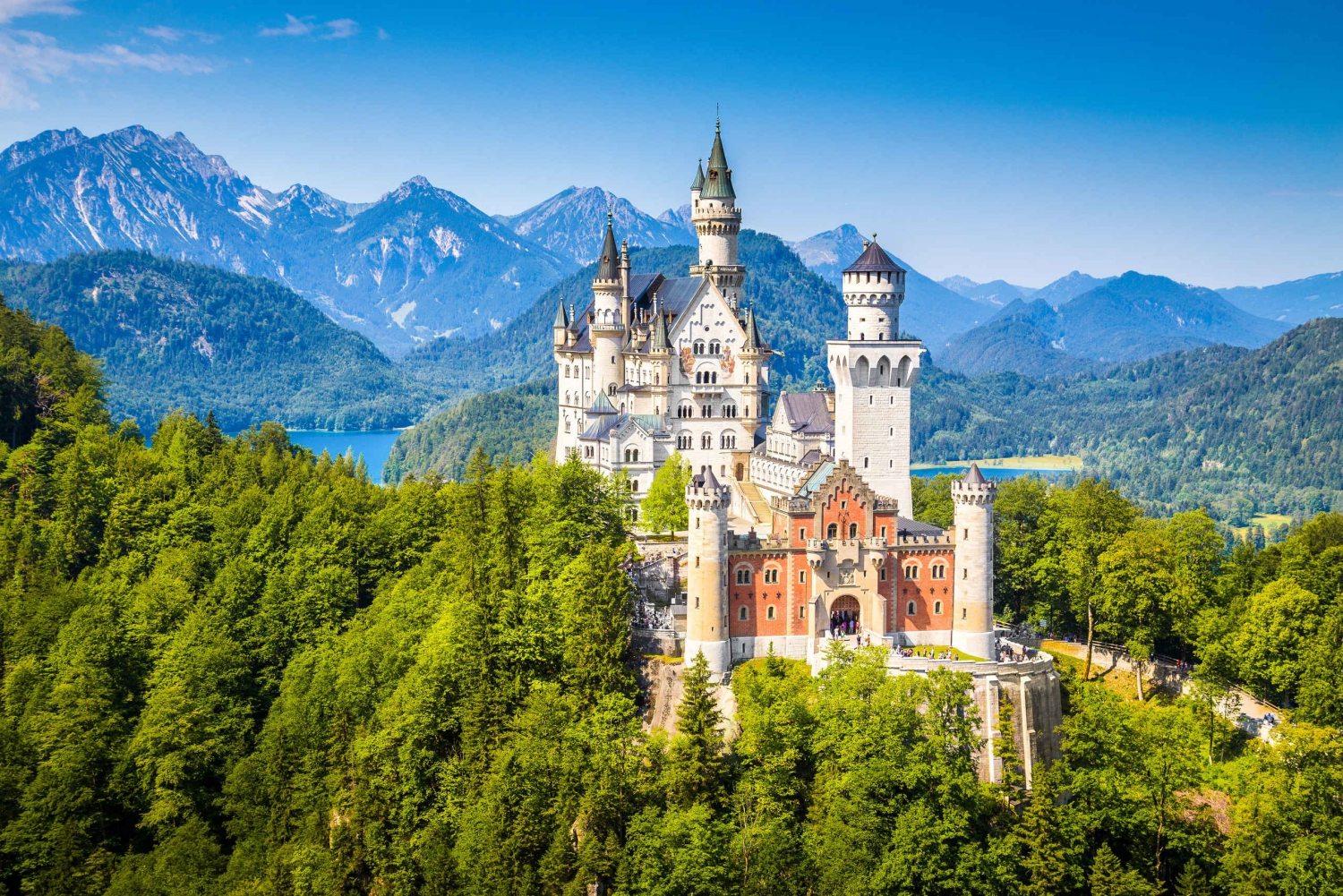 Neuschwanstein Castle and Linderhof Tour from Munich