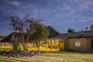 Etotongwe Lodge & Camping